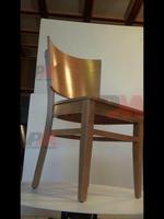 Промоция на качествен дървени столове за бар