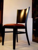 Промоция на Различни дървени столове за лоби бар