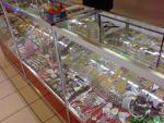 Промоция на παραγωγή ράφια για κατάστημα για αναμνηστικά και δώρα