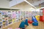 Промоция на стелажи за детски дрехи по поръчка