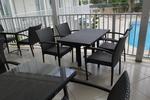 Промоция на Маси и столове от ратан,придаващи стил и комфорт на всеки плаж