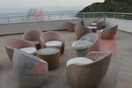 Промоция на Елегантни и удобни маси и столове от светъл ратан