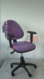 Промоция на обзавеждане с въртящи офис столове